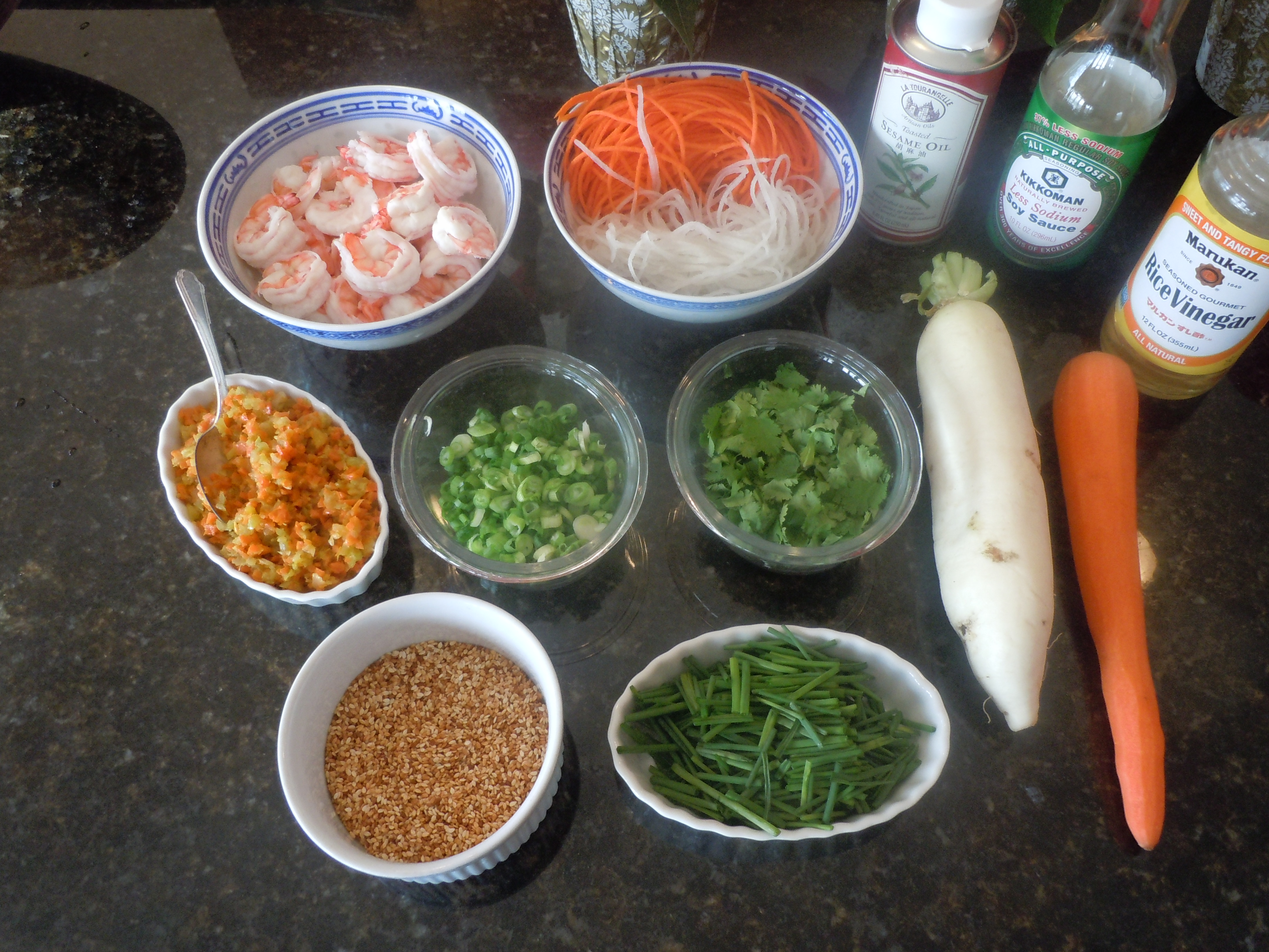 Fresh shrimp chive spring rolls recipevideo the traveling epicurean 001 forumfinder Choice Image